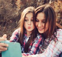 Ergenlikte anne-kız ilişkileri